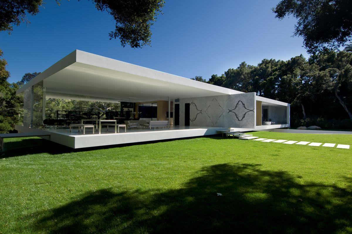 The-Ultramodern-Glass-Pavilion-01-1