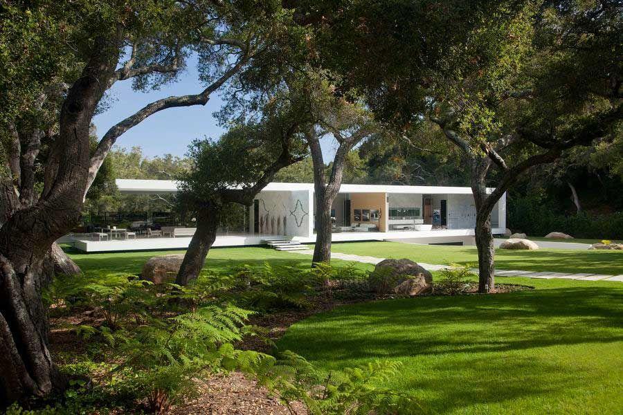 The-Ultramodern-Glass-Pavilion-03-1