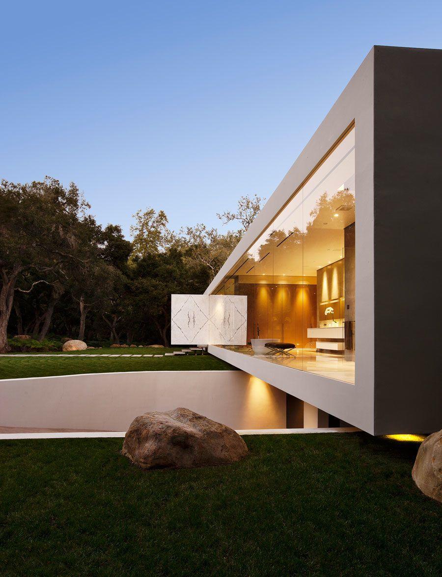 The-Ultramodern-Glass-Pavilion-09