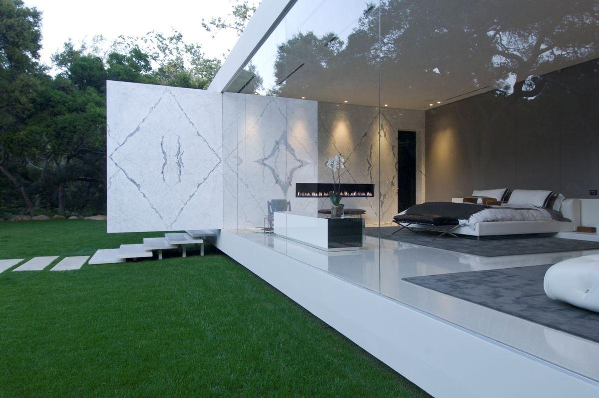 The-Ultramodern-Glass-Pavilion-10-1
