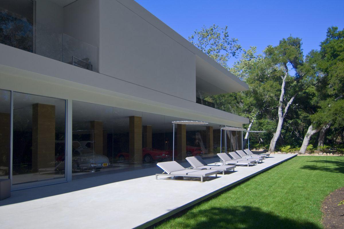 The-Ultramodern-Glass-Pavilion-12-1