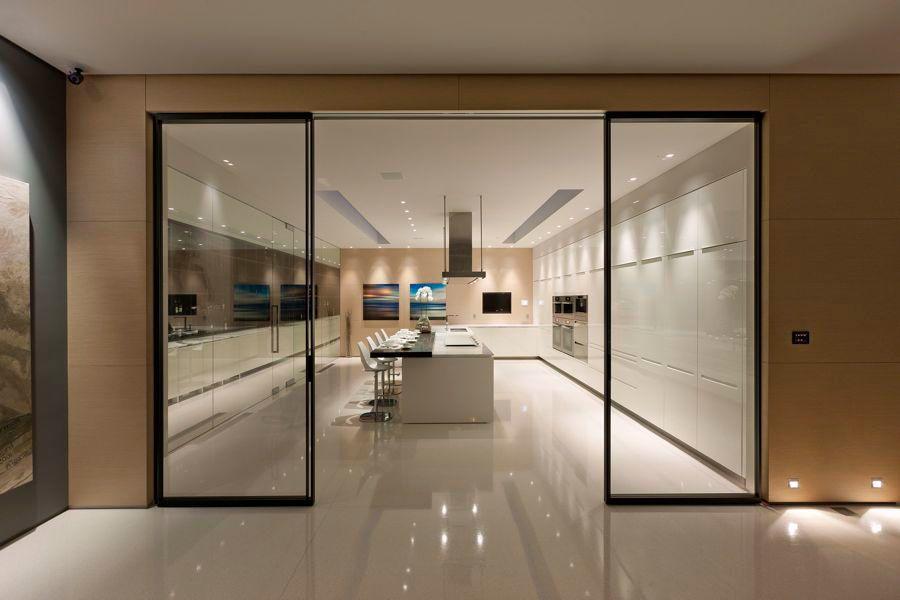 The-Ultramodern-Glass-Pavilion-31