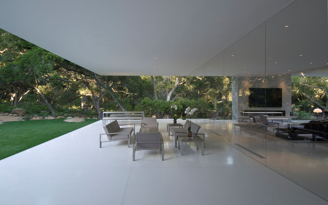 The Ultramodern Glass Pavilion By Steve Hermann