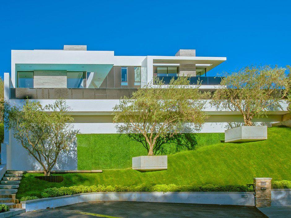 Ultramodern-Beverly-Grove-Residence-01