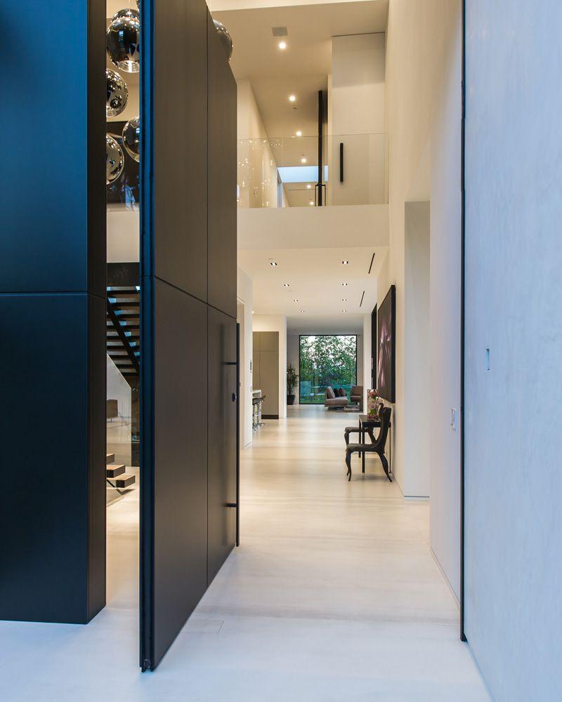 Ultramodern-Beverly-Grove-Residence-02