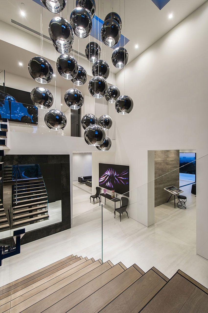 Ultramodern-Beverly-Grove-Residence-03