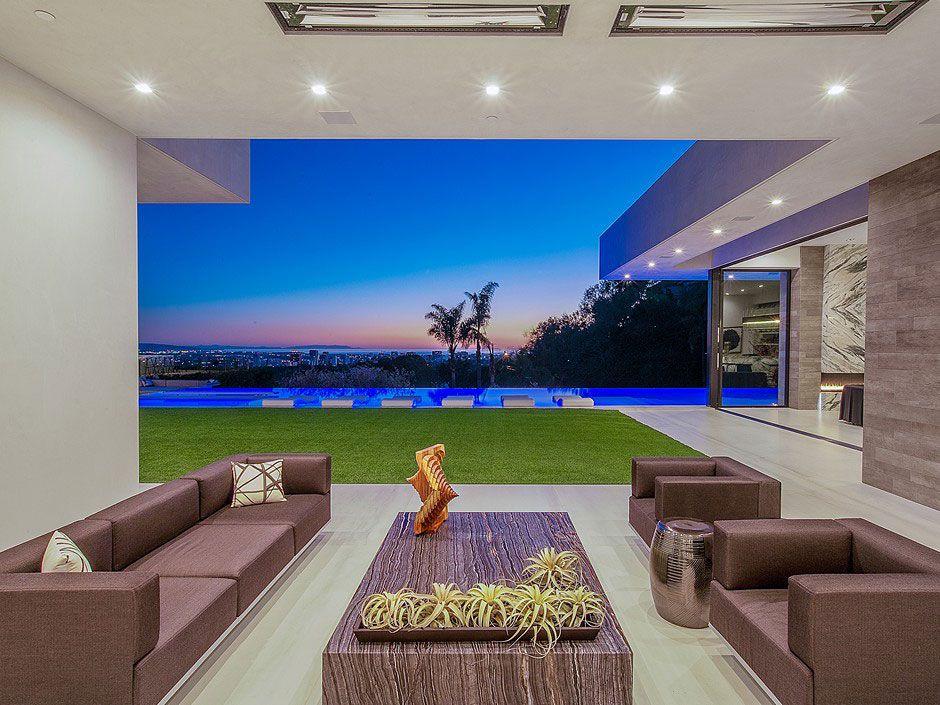 Ultramodern-Beverly-Grove-Residence-04