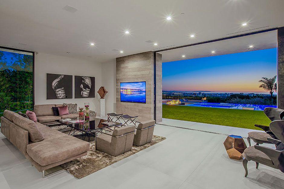 Ultramodern-Beverly-Grove-Residence-05