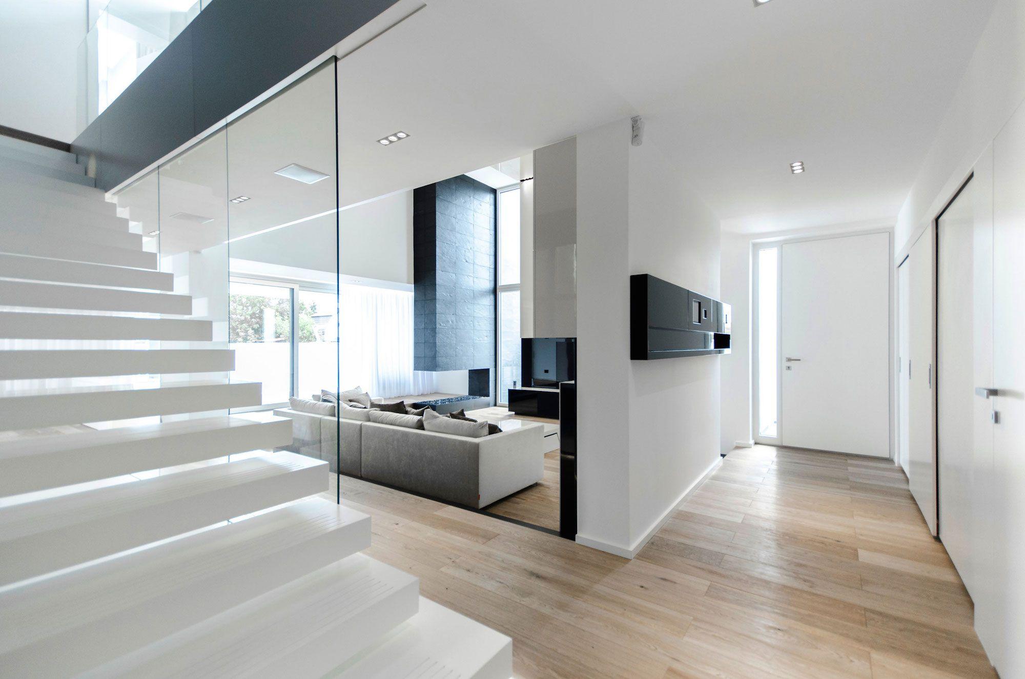 Ultramodern-C-House-in-Timisoara-10