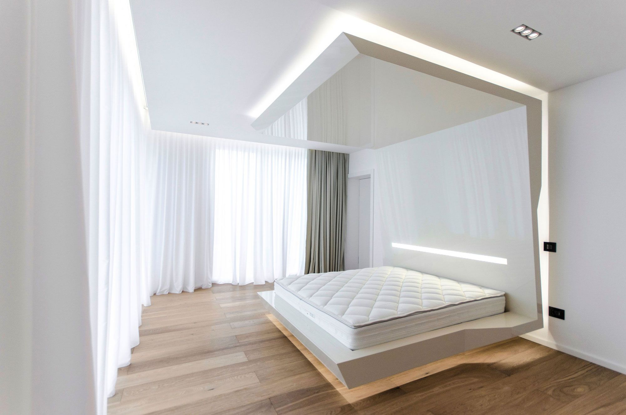Ultramodern-C-House-in-Timisoara-11