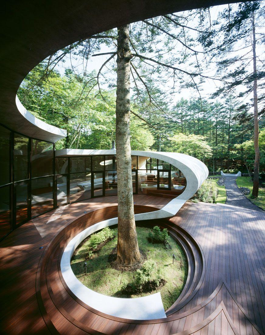 Ultramodern-Shell-Residence-16