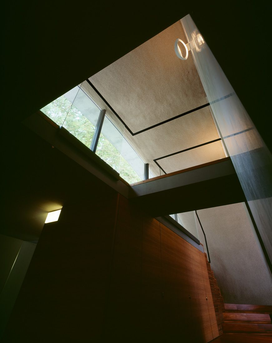 Ultramodern-Shell-Residence-37