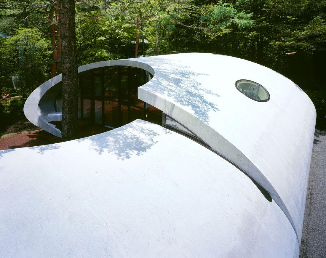 Ultramodern-Shell-Residence-9