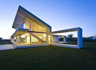 Ultramodern Villa T by Architrend Architecture