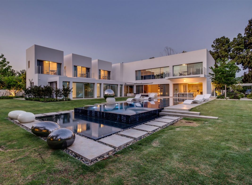 Israel contemporary residence