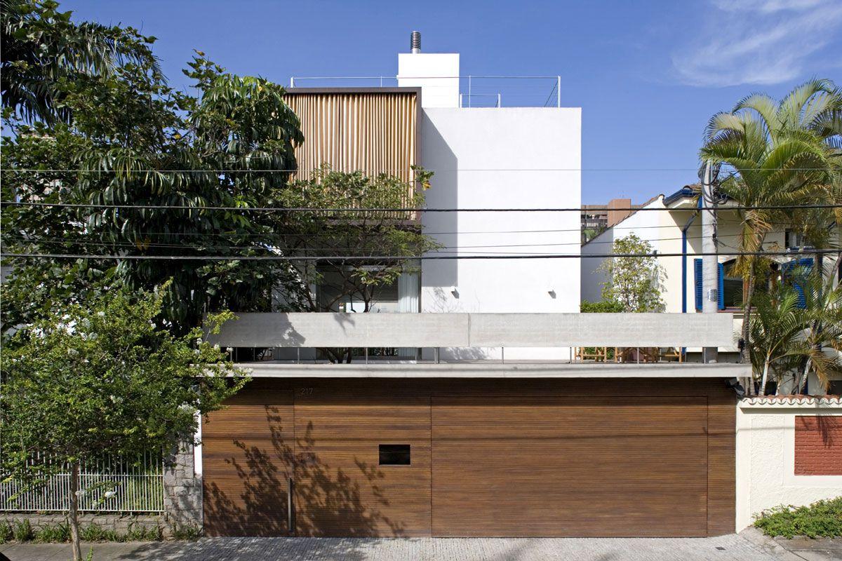 Vertical-House-01