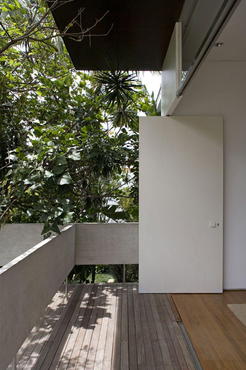 Vertical-House-05