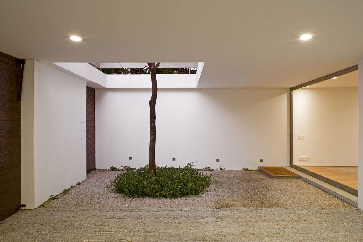 Vertical-House-06