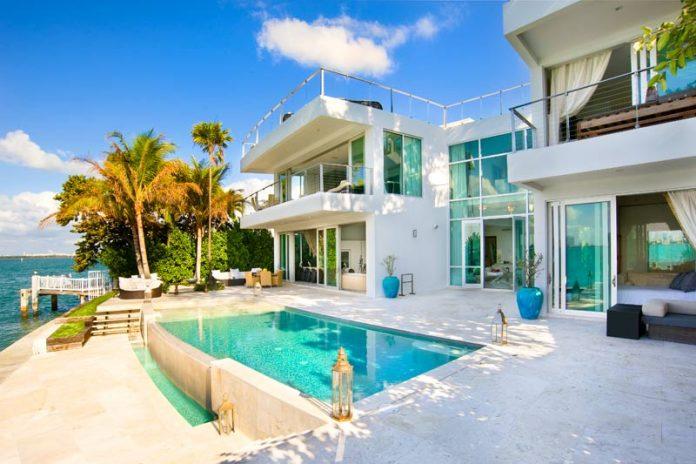 Villa Valentina: a Luxury Residence in Miami Beach