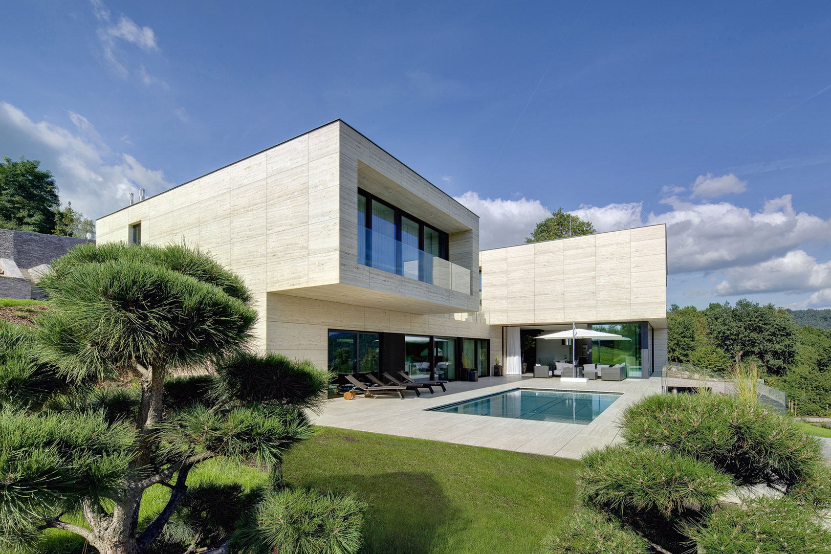 Villa-in-Decin-02