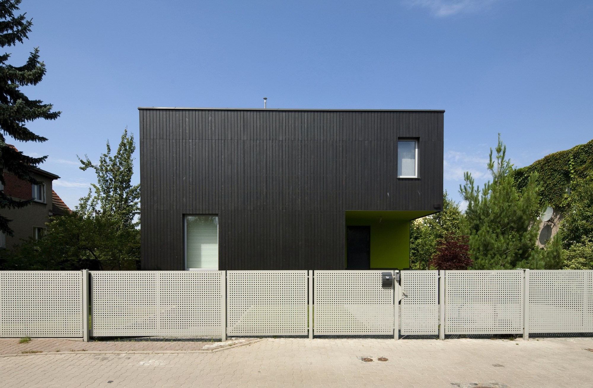 black-cube-house-kameleonlab_09_bc