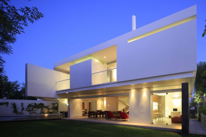 Casa Curato by Hernández Silva Arquitectos