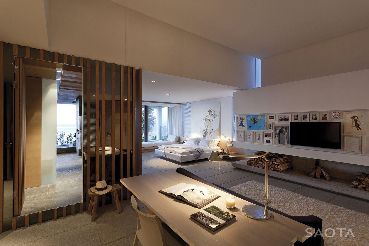 de-wet-34-saota-stefan-antoni-olmesdahl-truen-architects_dewet34_1a_int_gf003_masterbedroom_001_sa