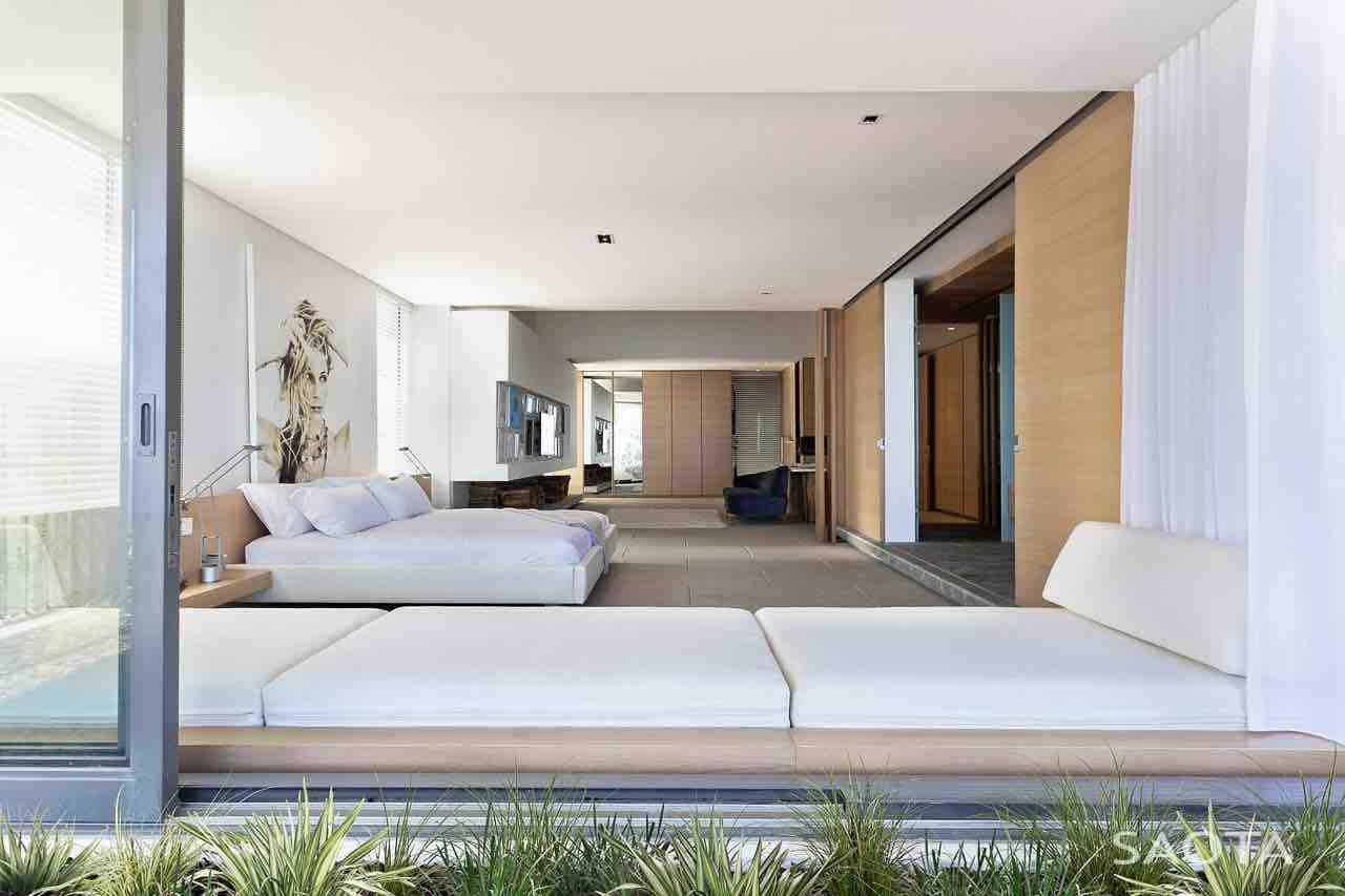 de-wet-34-saota-stefan-antoni-olmesdahl-truen-architects_dewet34_1a_int_gf003_masterbedroom_002_sa