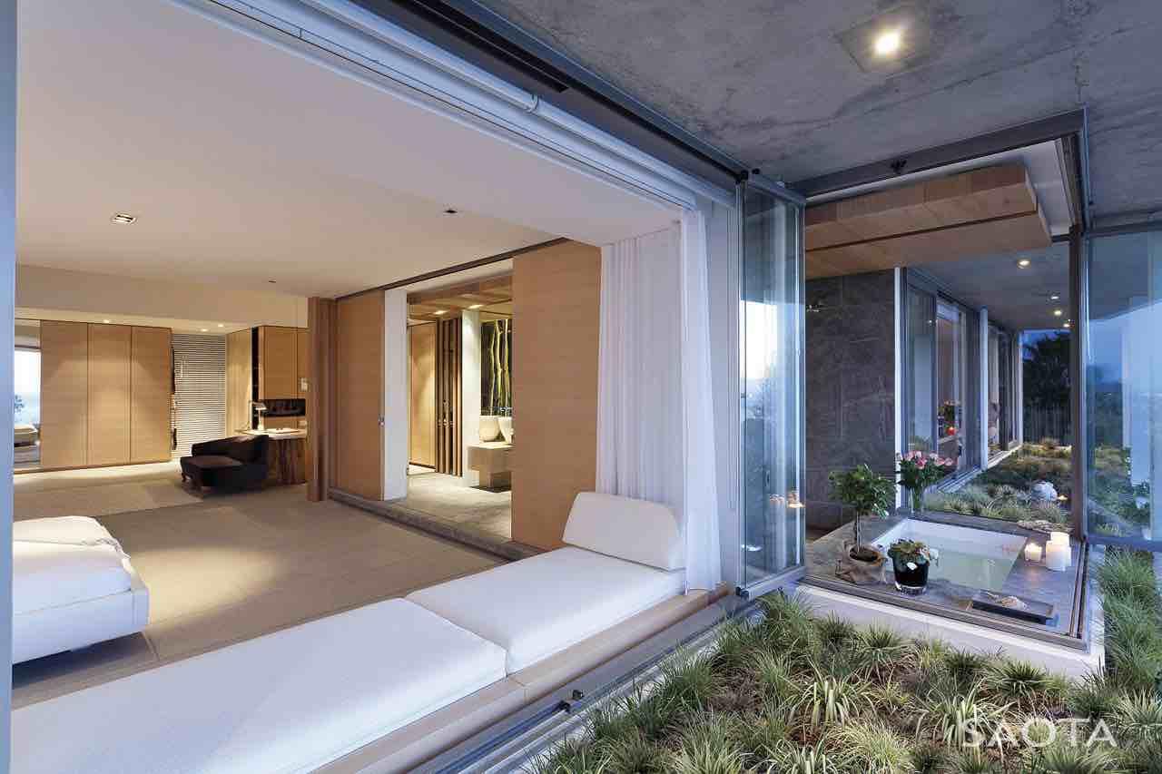 de-wet-34-saota-stefan-antoni-olmesdahl-truen-architects_dewet34_1a_int_gf003_masterbedroom_002a_sa
