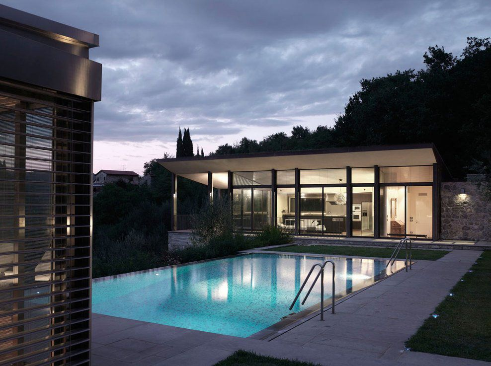 Fioravanti Poolhouse by MDU Architects