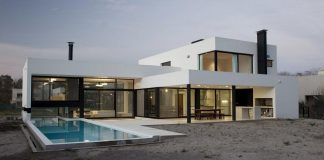 Grand Bell House by Andres Remy Arquitectos