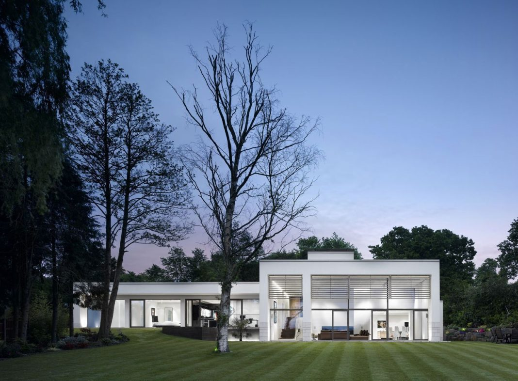 House 780 by Stephenson ISA Studio