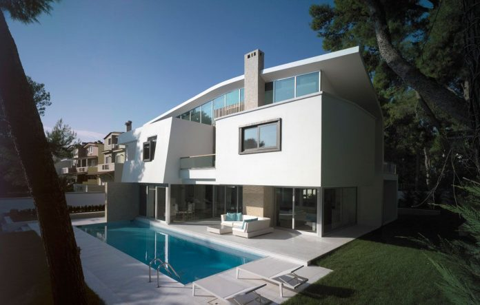 House In Ekali by Architect Thanos Athanasopoulos