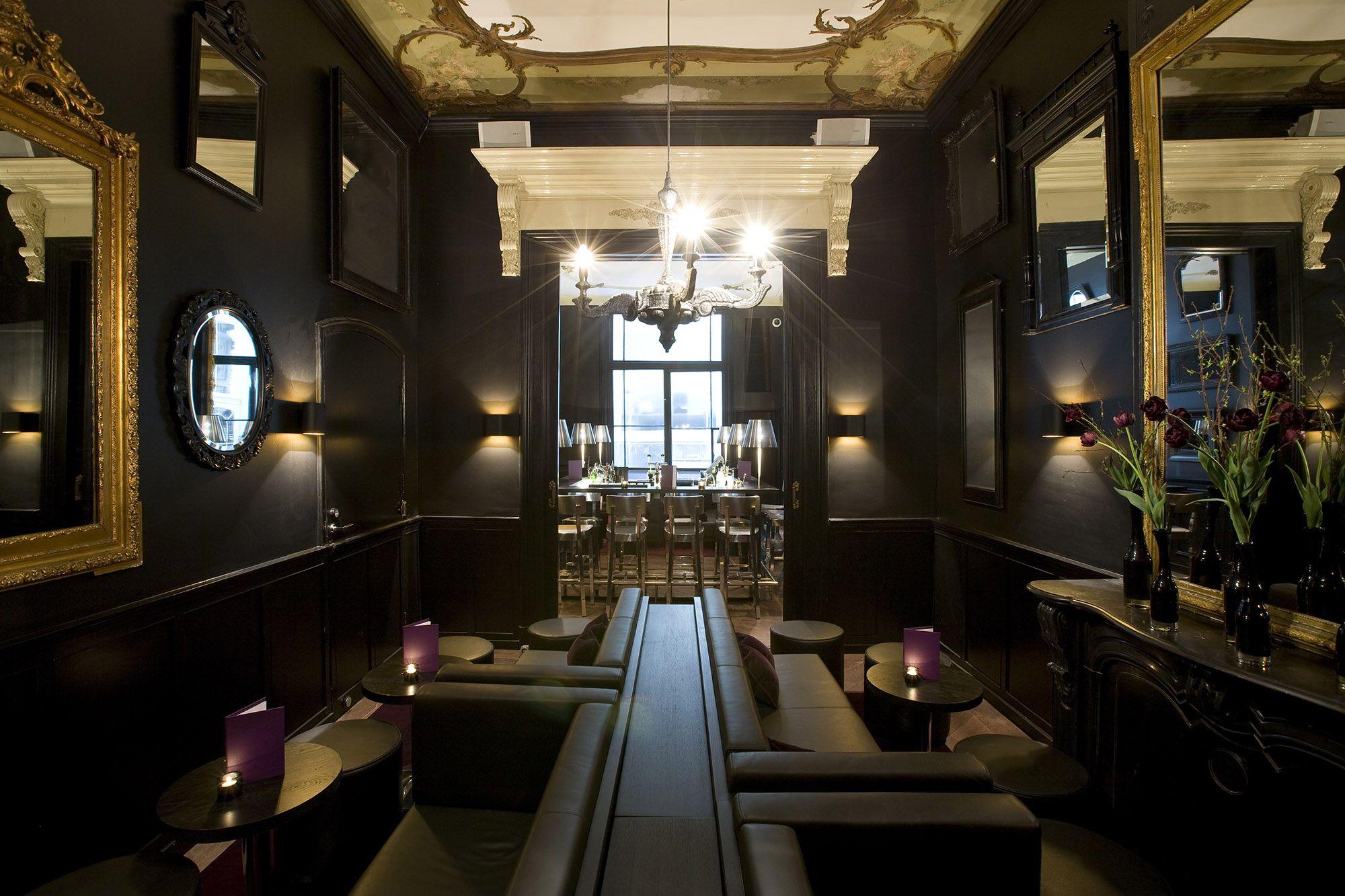 lounge1 - © jim ellam