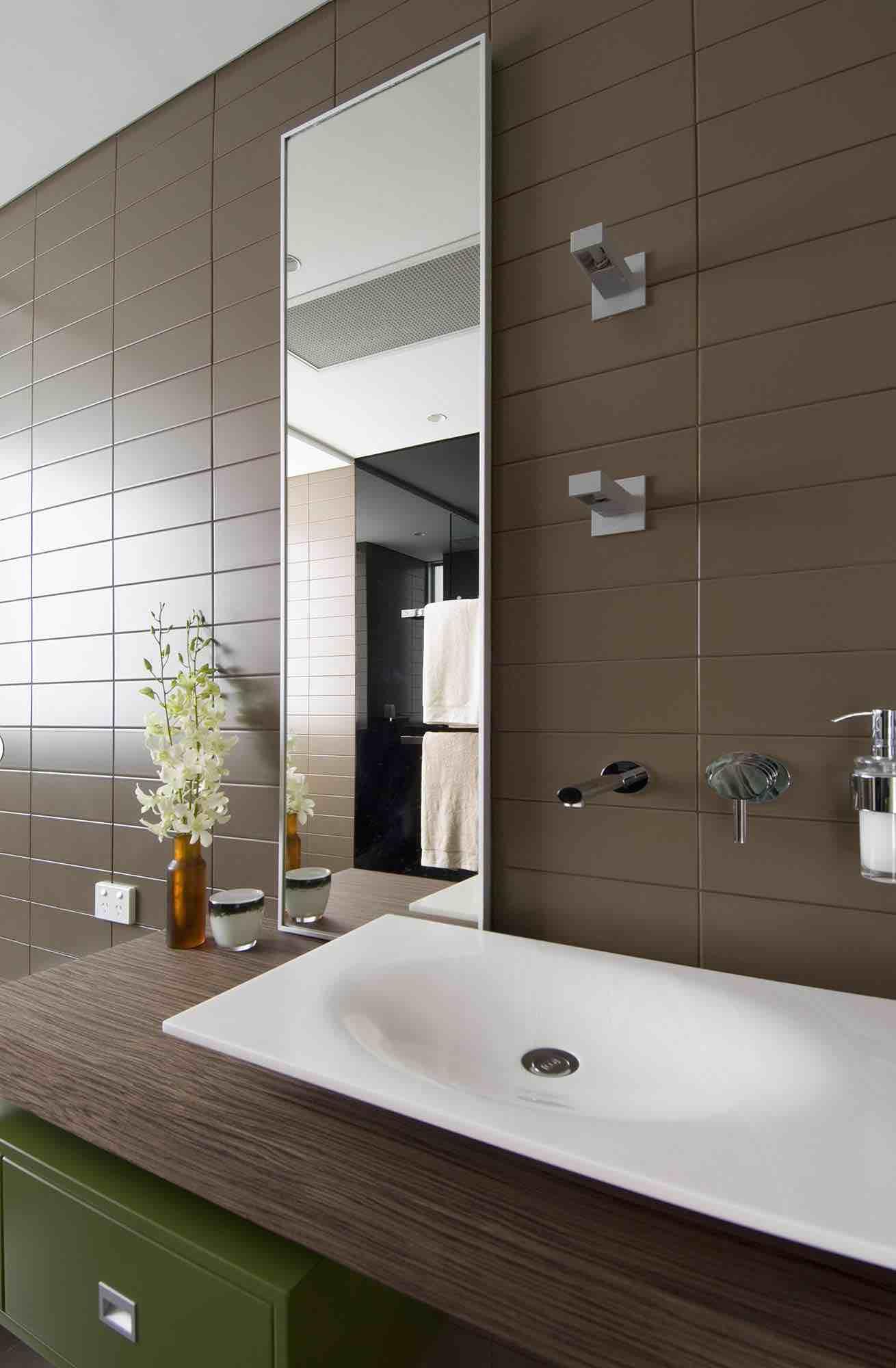 minosa-design-modern-bathroom-floating-vanity-portlans-st-bathroom-puddle-corian-basin-gessi-ovale-dover-heights-02