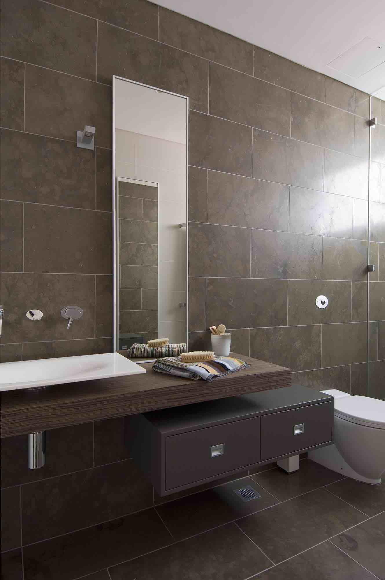 minosa-design-modern-bathroom-floating-vanity-portlans-st-bathroom-scoop-corian-basin-gessi-ovale-dover-heights-04