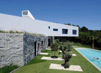 Nest & Cave House by Idis Turato
