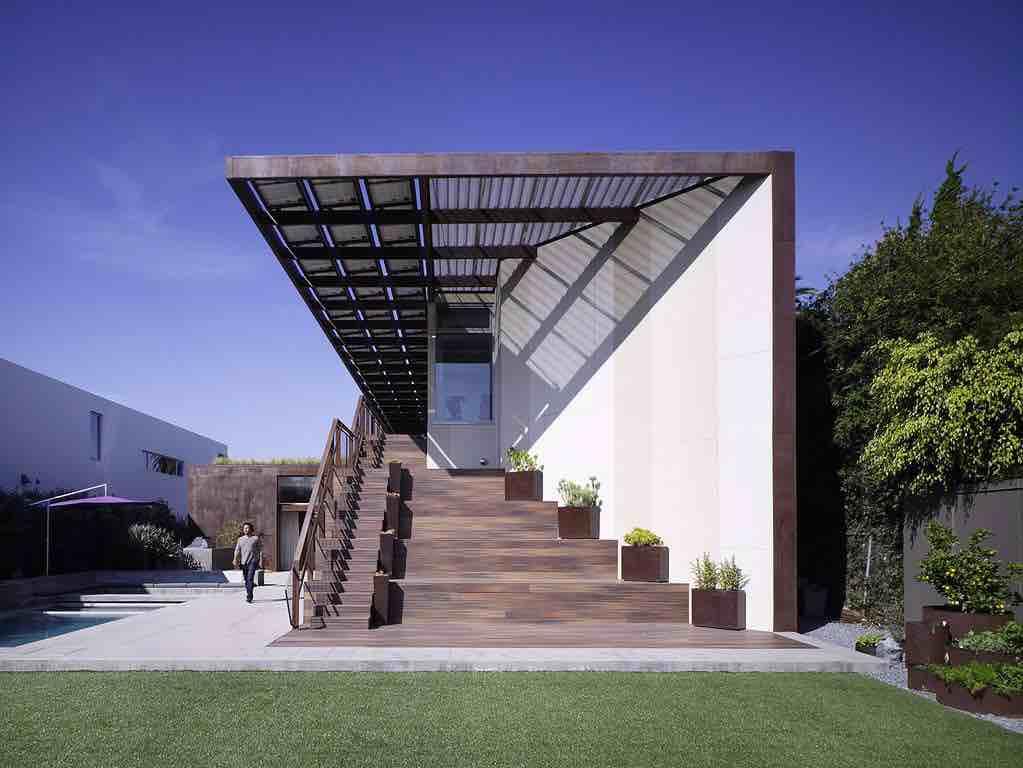 Yin-Yang House by Brooks + Scarpa
