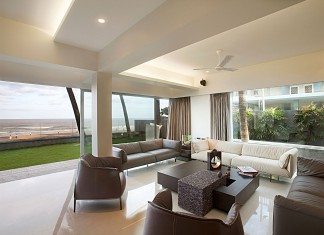 Juhu Beach Apartment by ZZ Architects