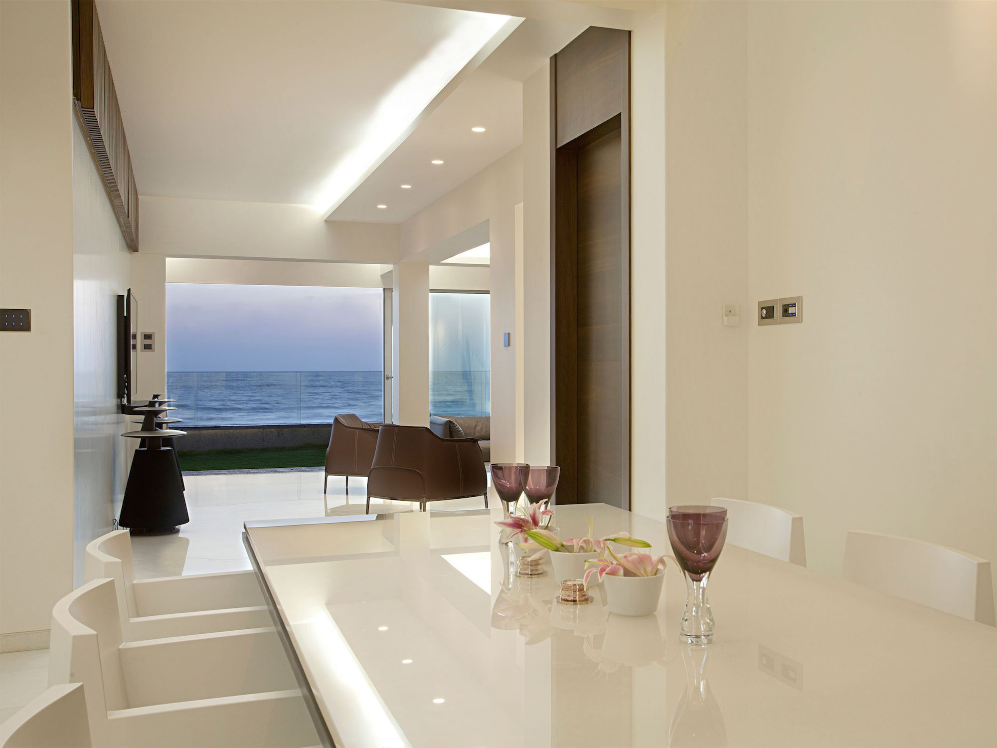 Apartment-by-the-Beach-07