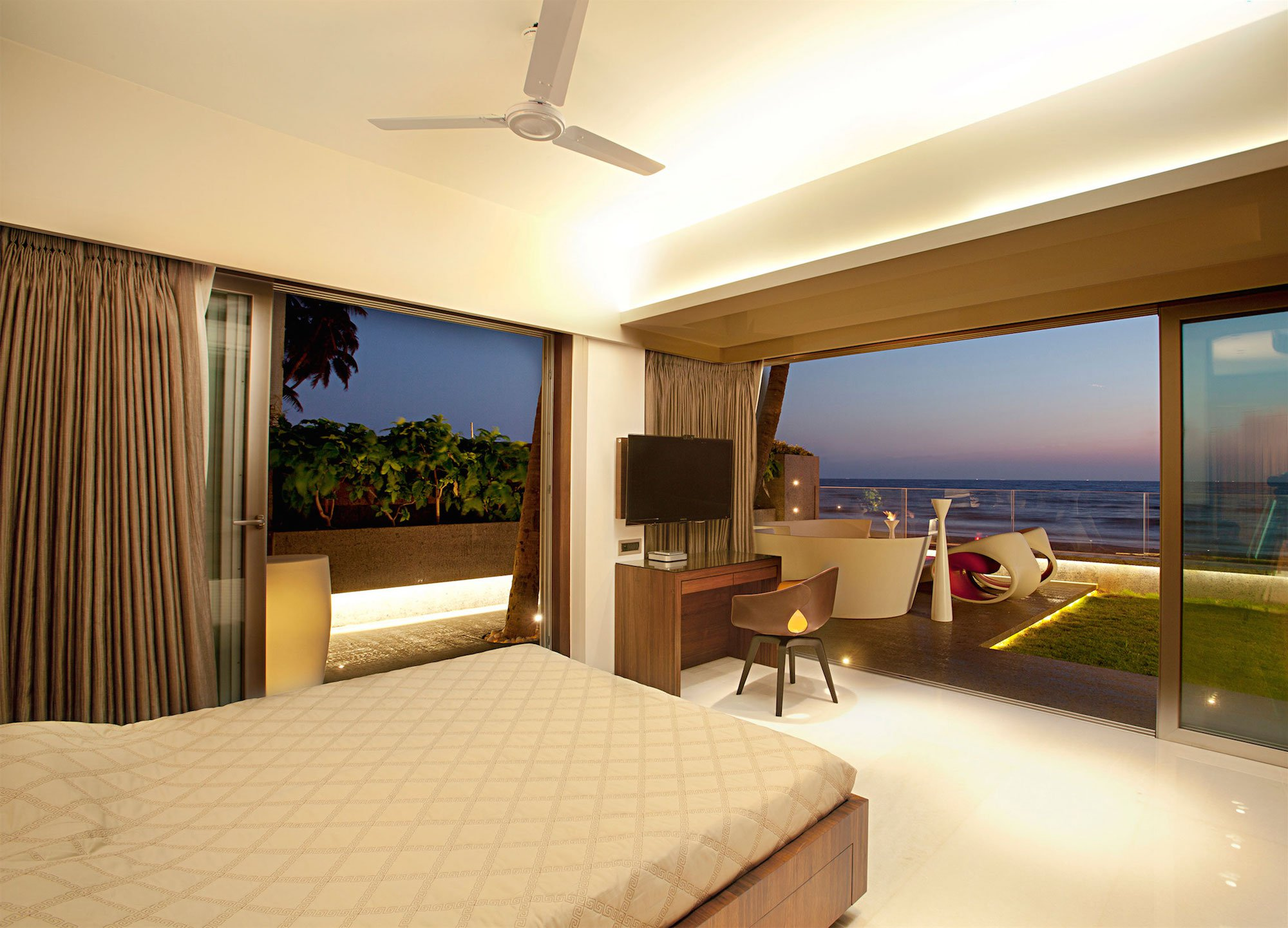 Apartment-by-the-Beach-09