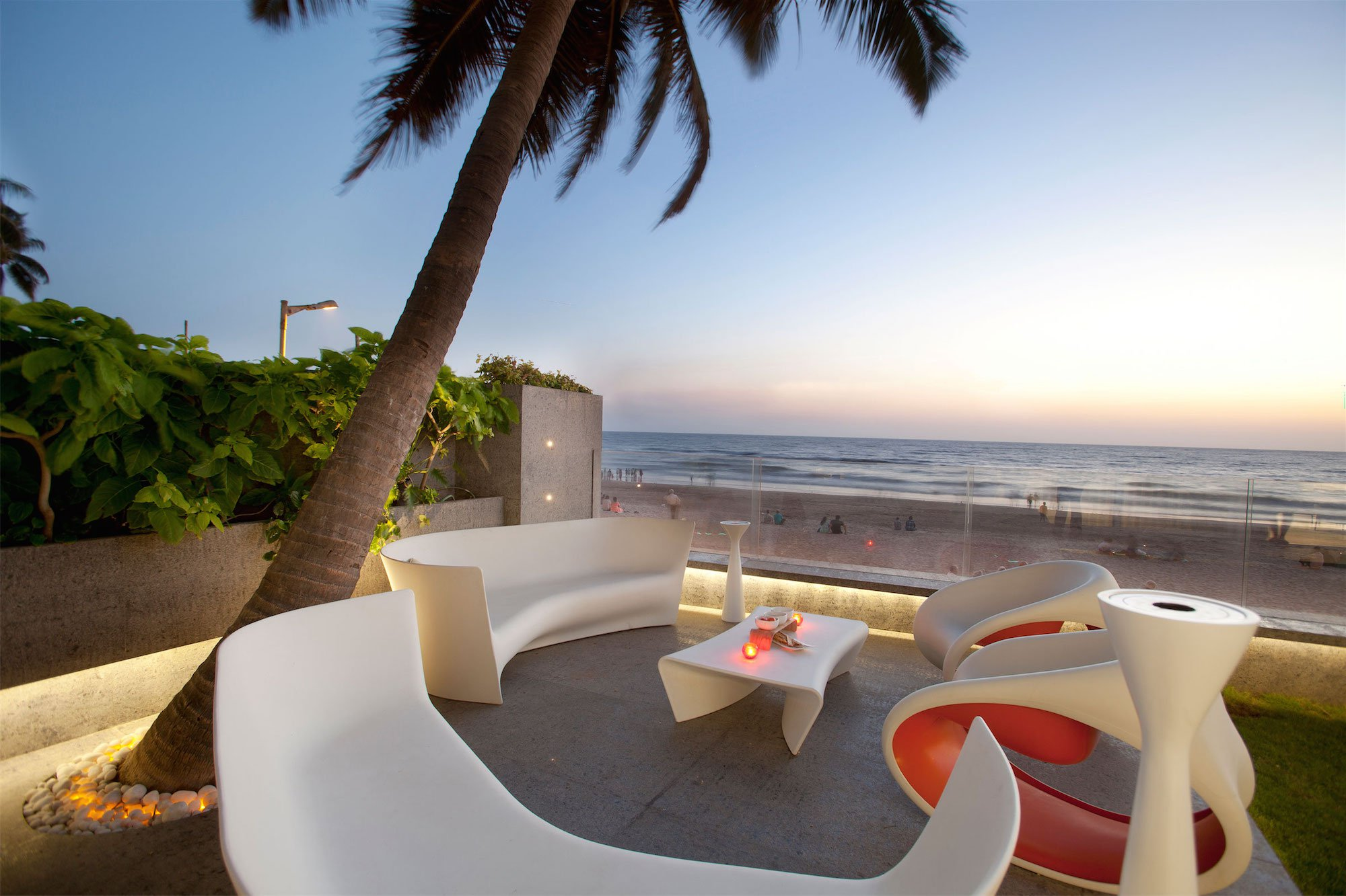 Apartment-by-the-Beach-11