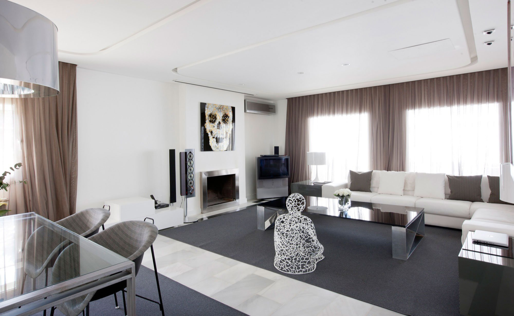 luxury white apartment in madrid by ilmiodesign caandesign architecture and home design blog. Black Bedroom Furniture Sets. Home Design Ideas