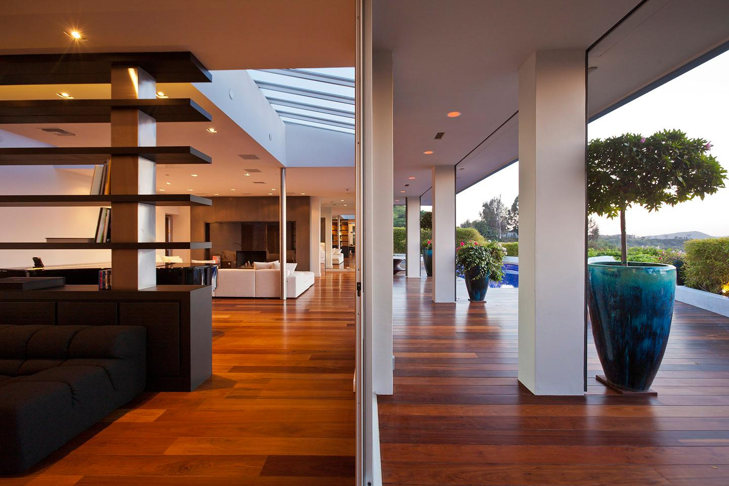 Beverly Hills House By Jendretzki Caandesign