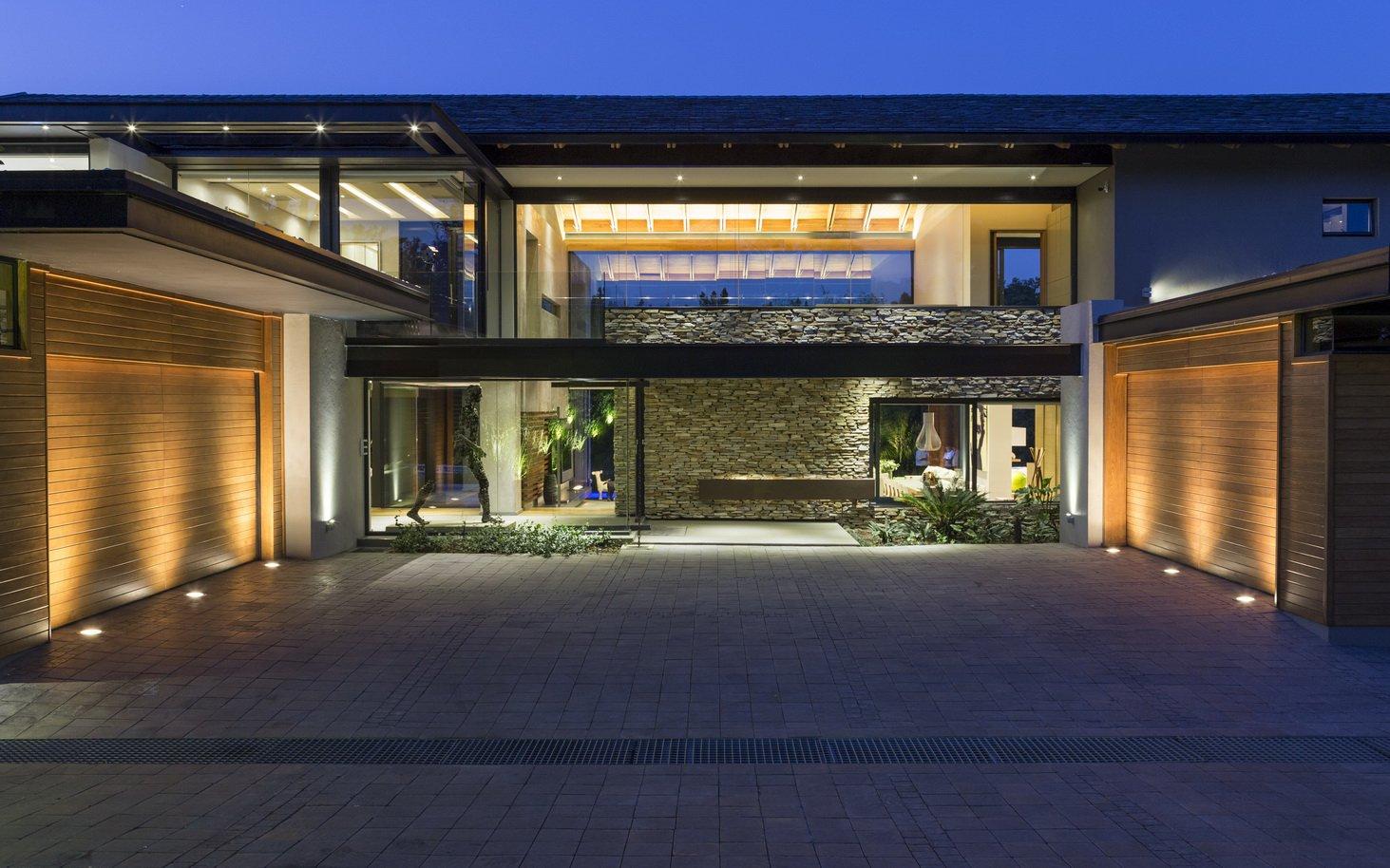 Blair Atholl by Nico van der Meulen Architects 2