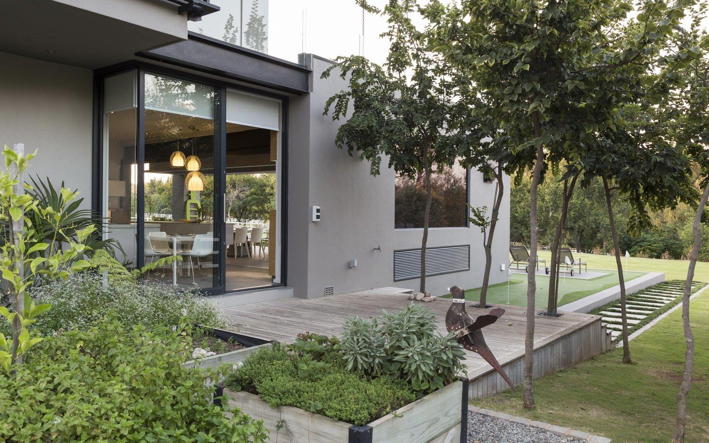 Blair Atholl by Nico van der Meulen Architects 27