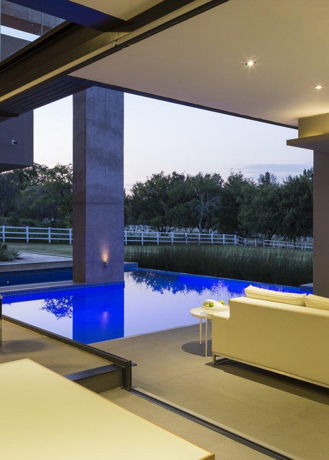 Blair Atholl by Nico van der Meulen Architects 33