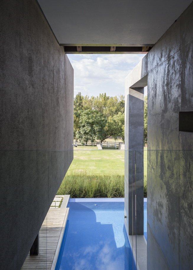 Blair Atholl by Nico van der Meulen Architects 37