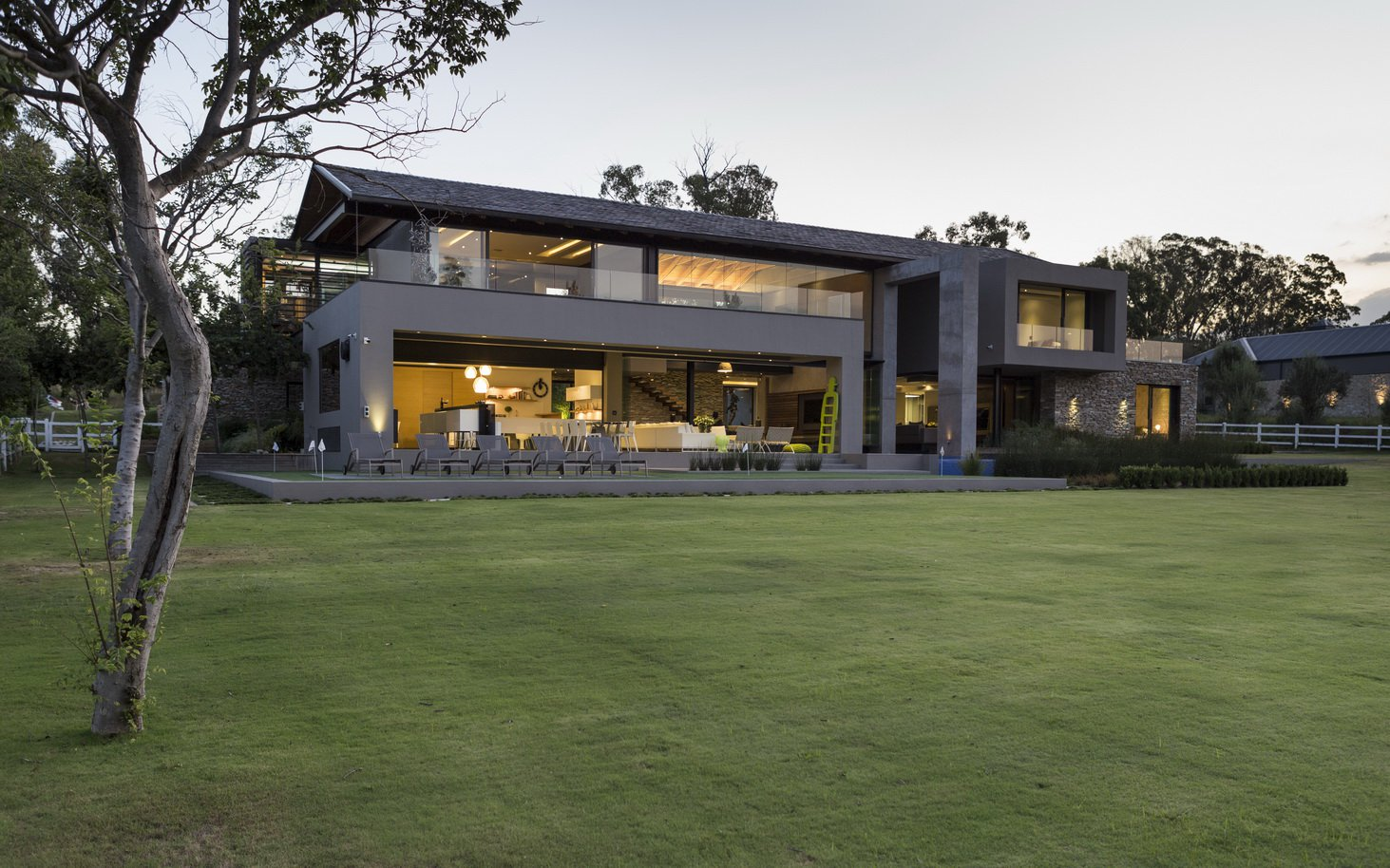Blair Atholl by Nico van der Meulen Architects 5