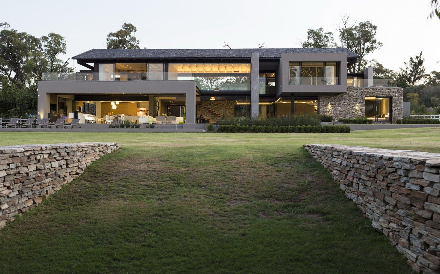 Blair Atholl by Nico van der Meulen Architects 51